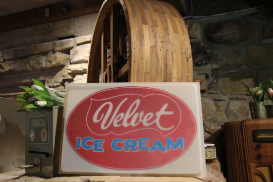 Velvet Ice Cream at Ye Olde Mill ~ www.ohiogirltravels.com