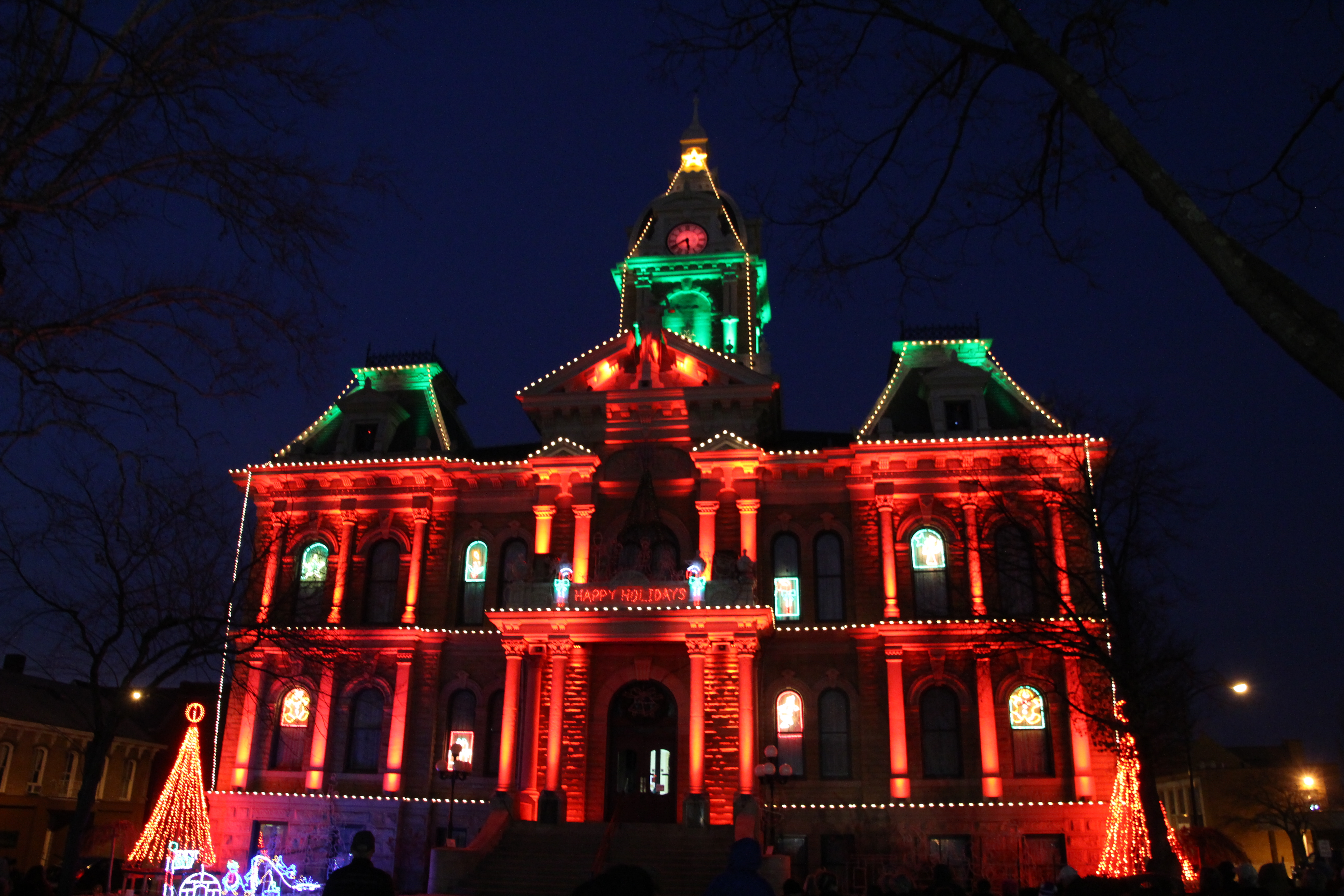 Guernsey County Ohios Courthouse Christmas Light Display 2020 Best Christmas Lights Displays in Ohio   Ohio Girl Travels