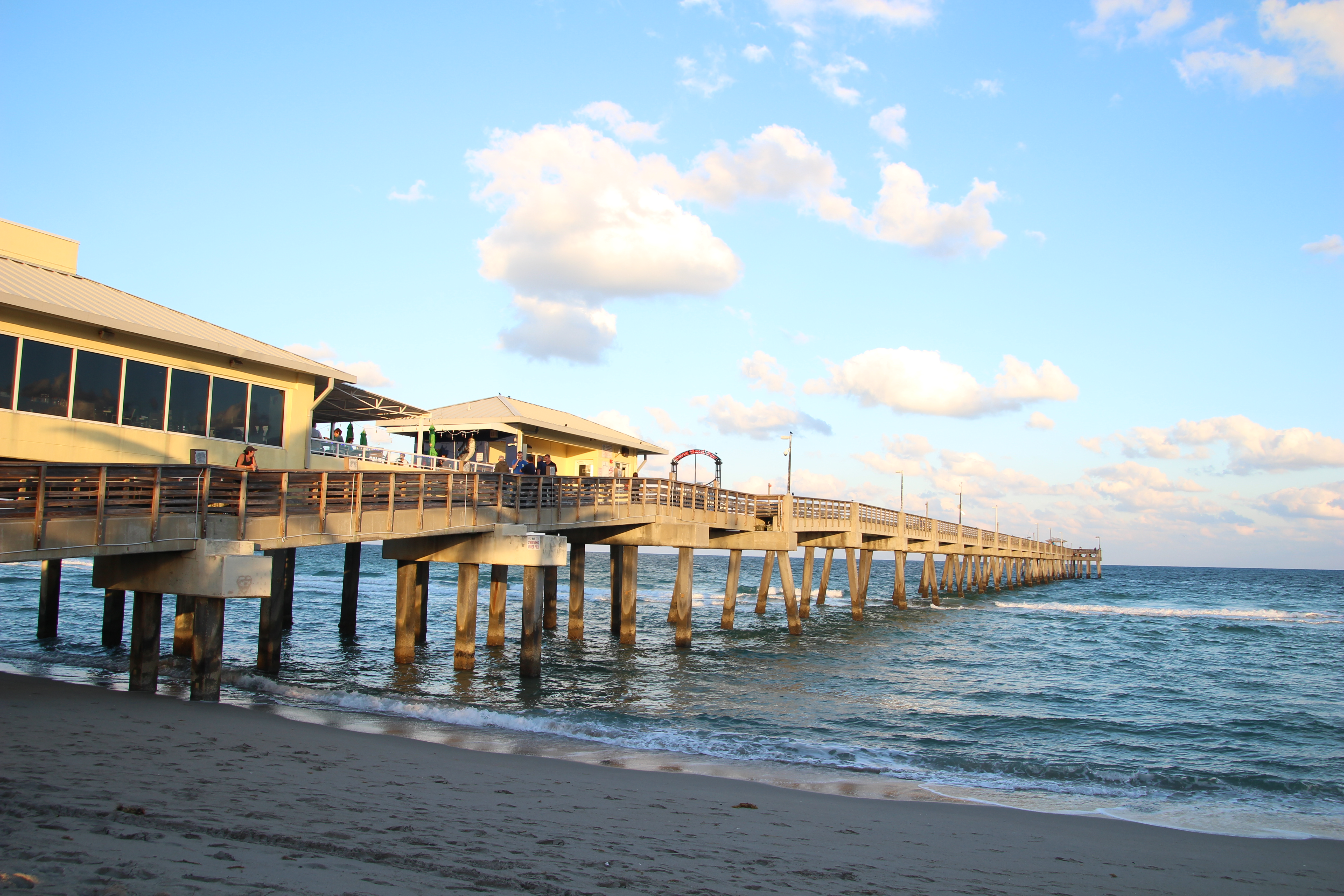 7 things to do in greater fort lauderdale florida ohio for Dania beach fishing pier